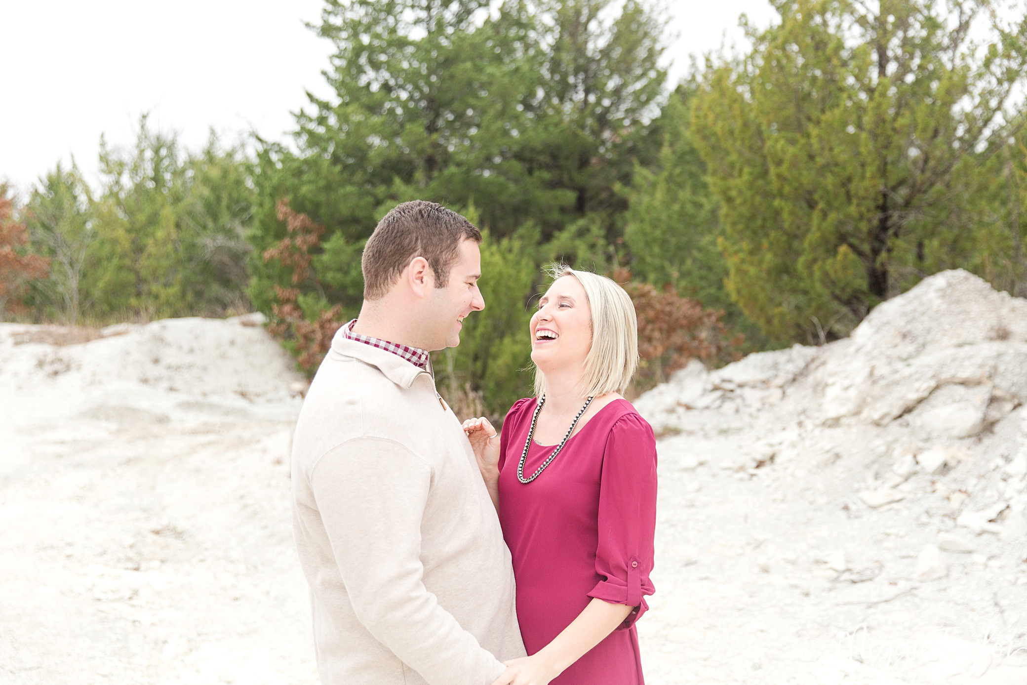 cammie-and-dylan-winter-engagement_1704