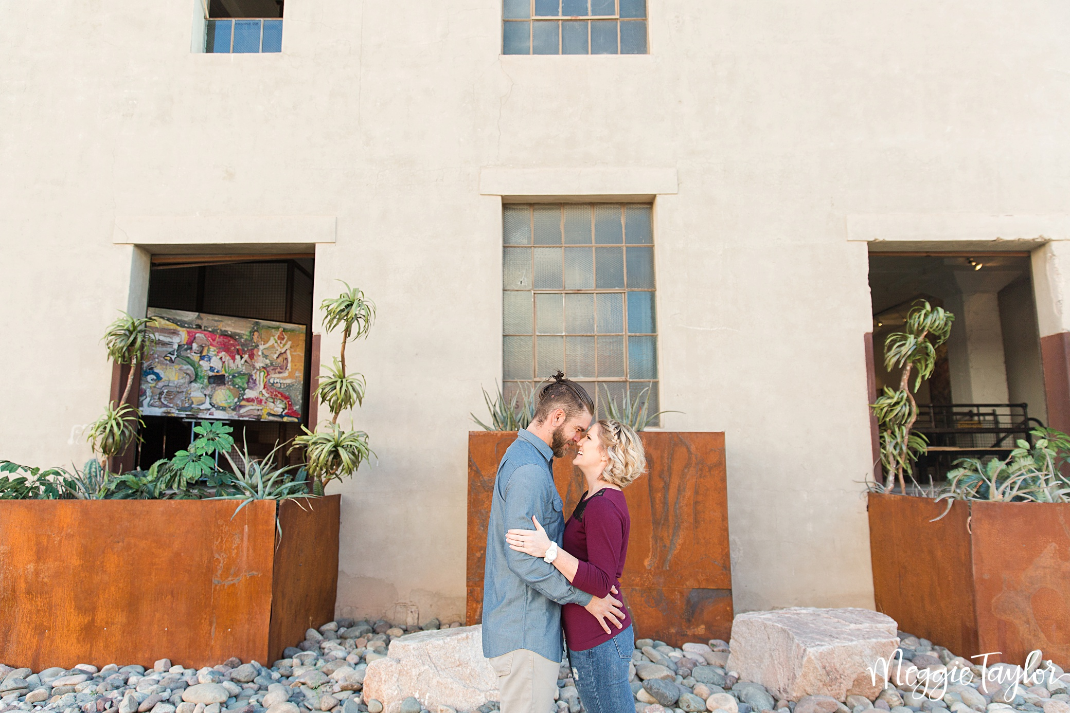 eric-and-samanthas-downtown-phoenix-engagement-session_1734